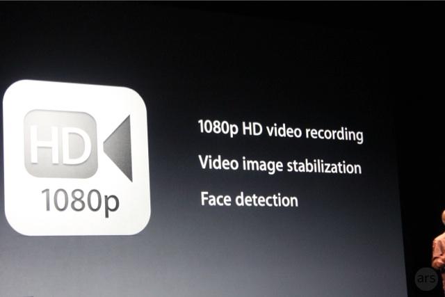 Camera sau đạt độ phân giải 5 chấm,  có microphone hỗ trợ và đèn flash. Camera của máy được trang bị kính 5 thành tố, f/2,4, tự động focus và tinh thể Saphia