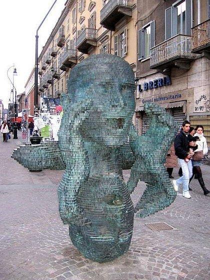 Những bức tượng kỳ dị nhất thế giới (3)