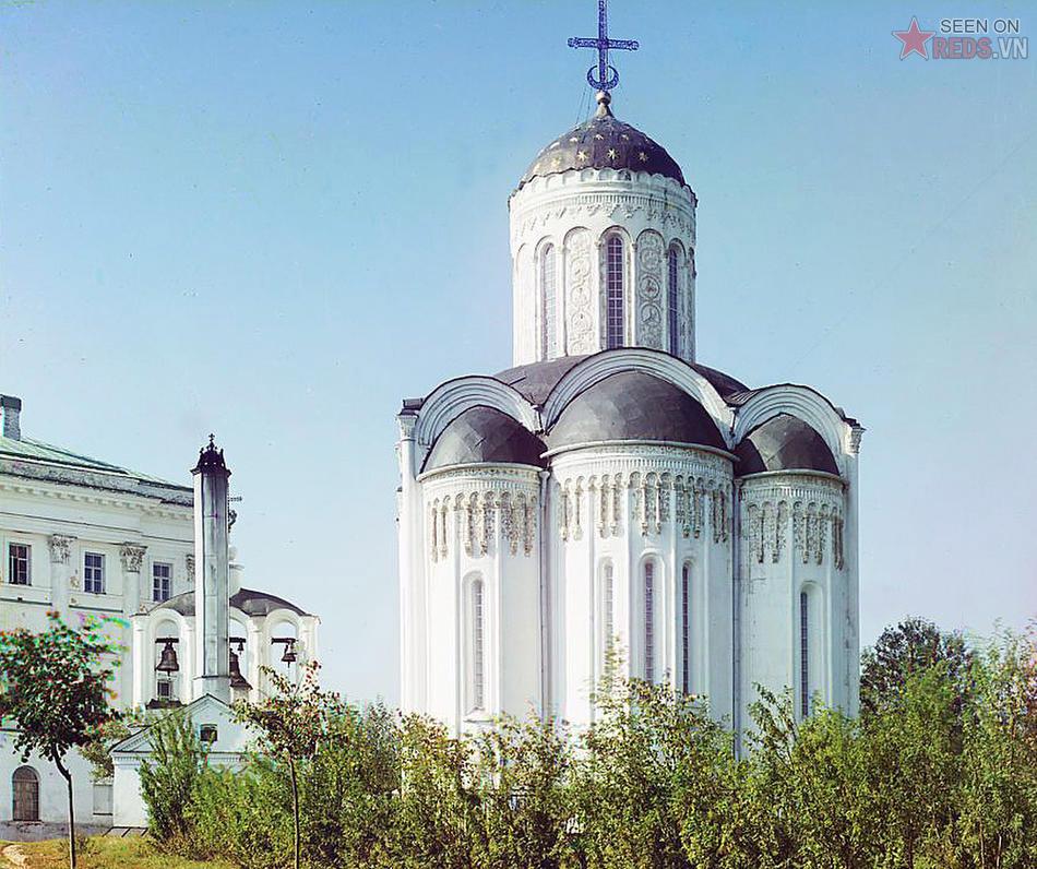 Mặt bên của Nhà thờ Dmitrievski, Vladimir, 1911