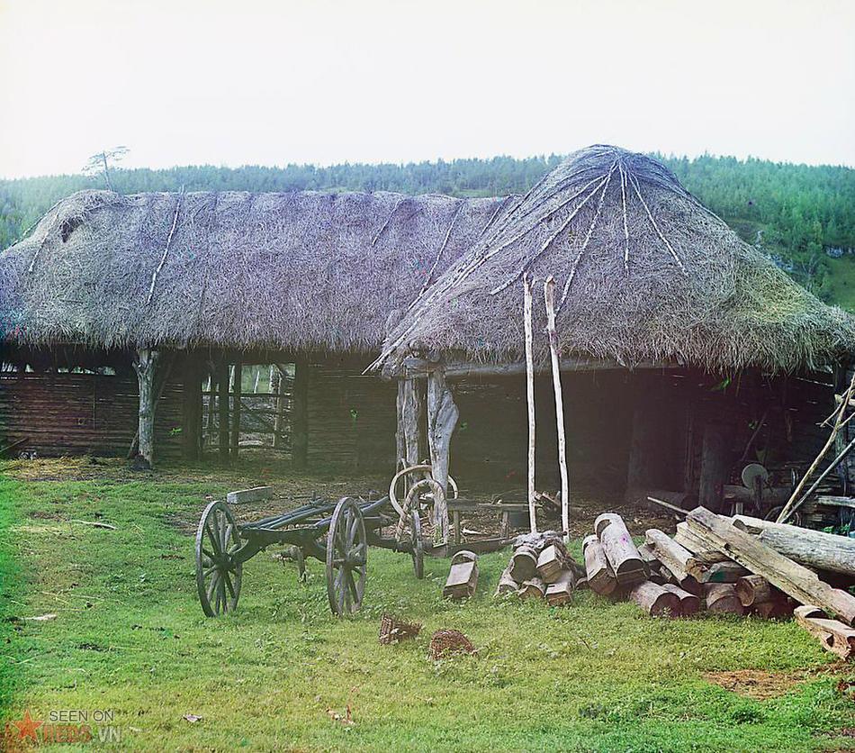 Gian nhà của tộc người Bashkir, vùng Ekhia, 1910.