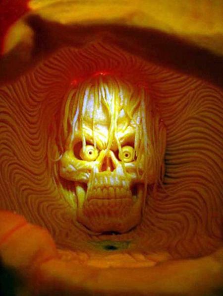 """""""Choáng"""" với những tác phẩm điêu khắc bí ngô đón lễ hội Halloween (3)"""