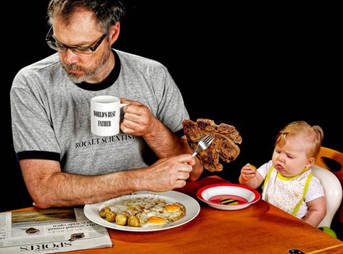 Dưới sự giúp đỡ của vợ mình, ông đã bắt tay thực hiện ý tưởng chụp ảnh vô cùng ngẫu hứng và sáng tạo với cô con gái bé nhỏ Alice Bee.