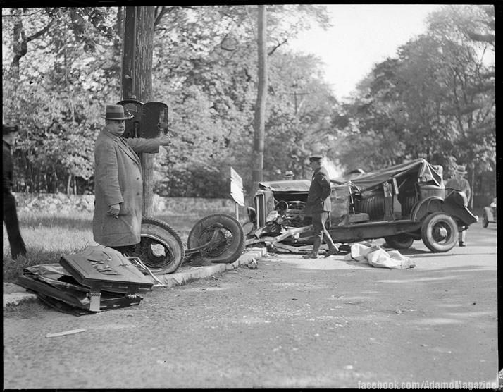 Xem ảnh ô tô cổ gặp...tai nạn (2)