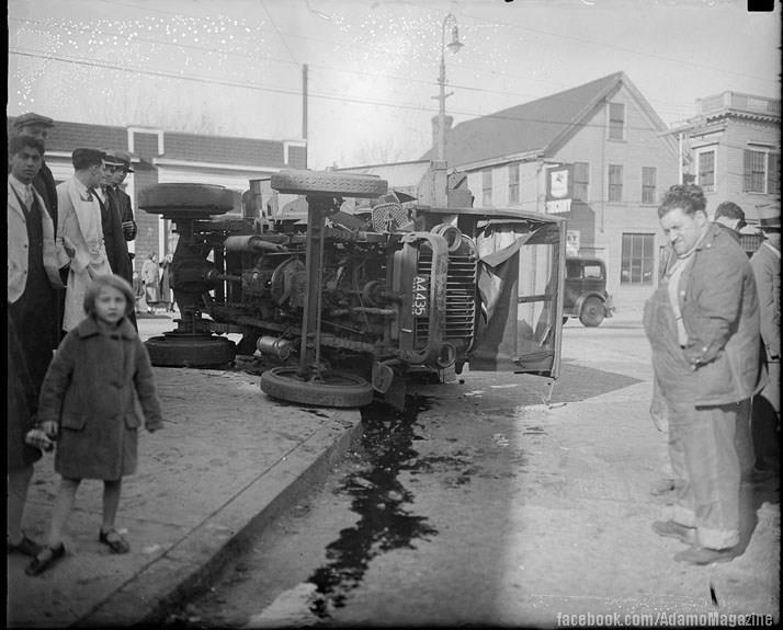 Xem ảnh ô tô cổ gặp...tai nạn (13)