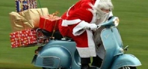 santa_claus_Christmas_funny_prank_moped_presents_lol
