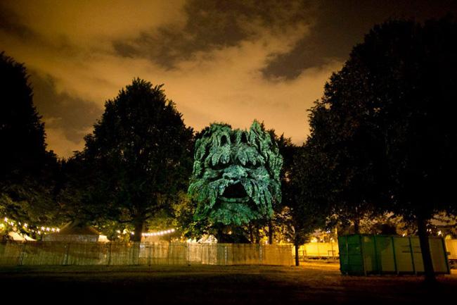 Kinh ngạc tượng 3D từ...cây và ánh sáng | Chuyện lạ (10)