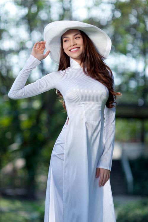 Ngắm ''vẻ đẹp Việt'' của những sao nữ cá tính!