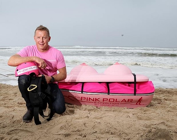 Đây là ý tưởng để Wilson quyên tiền cho 1 tổ chức từ thiện ung thư vú. (2)