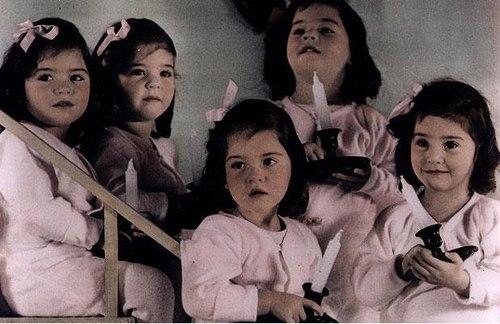 Hiện chỉ có 2 người còn sống là Annette and Cecile. Đến bây giờ, họ vẫn là ca sinh 5 cùng trứng là nữ duy nhất từng được ghi nhận trong lịch sử. Ảnh: Telegraph.