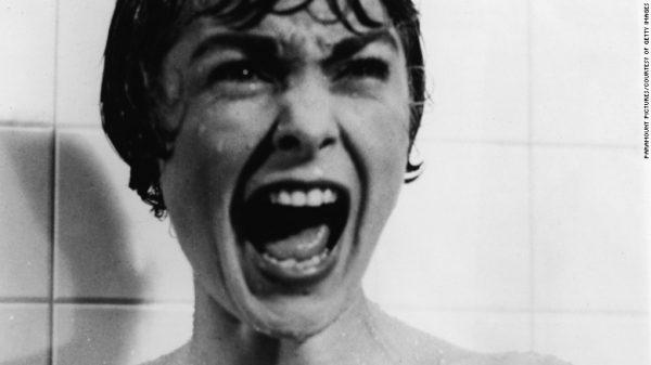 """Tiếng hét của Janet Leigh trong cảnh tắm nổi tiếng của bộ phim """"Psycho"""" thường được coi là đáng sợ nhất được đưa lên màn bạc. Bộ phim năm 1960 do Alfred Hitchcock đạo diễn. Ảnh CNN"""