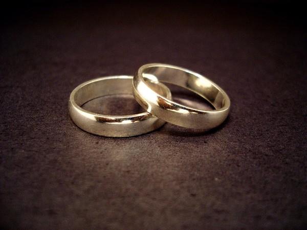 Với người Ai Cập cổ đại, chiếc nhẫn cưới là biểu tượng cho tình yêu vĩnh cửu
