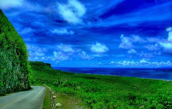 Đường phố làm từ san hô