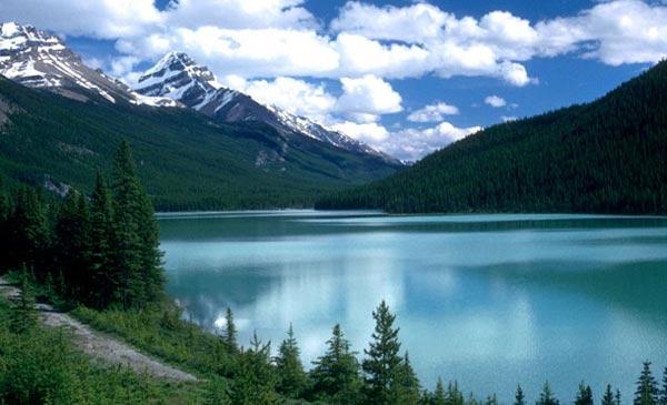 Nhiều hồ nhất thế giới