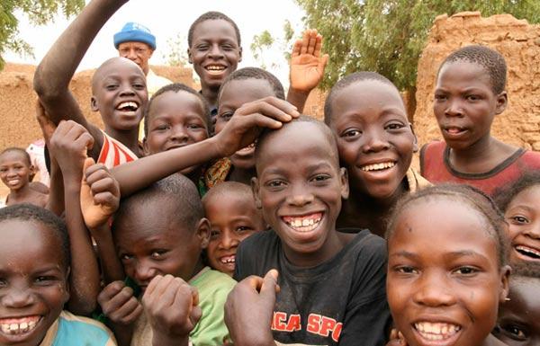 Dân số trẻ nhất thế giới