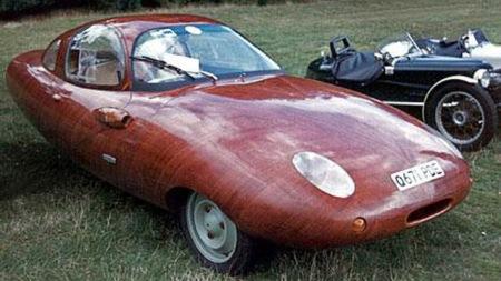 Chiếc Tryane II này là tác phẩm của bác thợ mộc Friend Wood người Đức vào năm 1989
