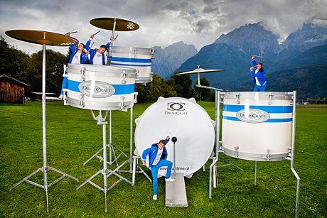 Bộ trống lớn nhất thế giới do hãng Drumartic (Áo) chế tạo.
