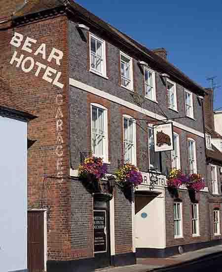6 khách sạn nhiều ma nhất thế giới