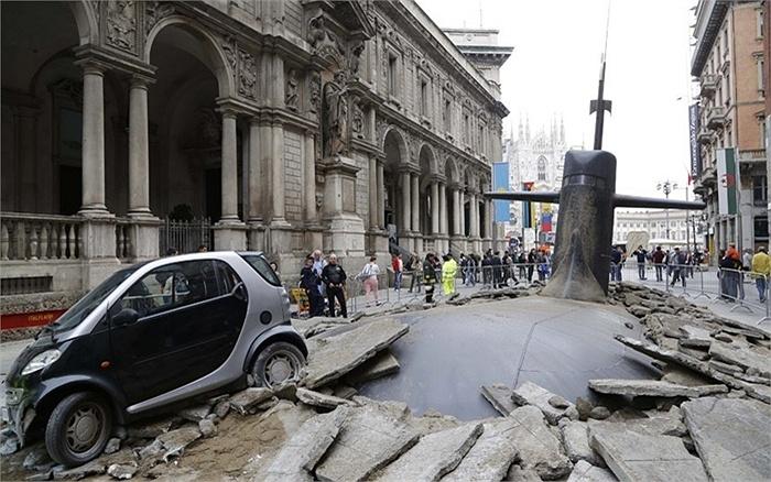 Chiếc tàu ngầm này là tác phẩm điêu khắc để quảng bá du lịch cho thành phố Milan