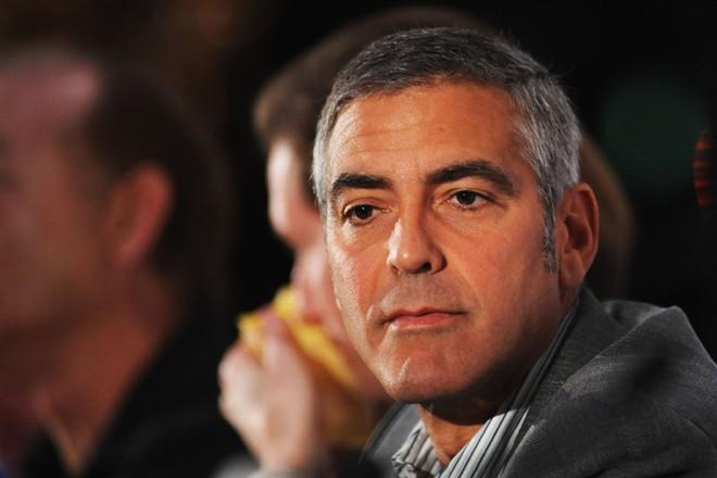 Những người có giọng trầm như tài tử George Clooney và nói ít nhưng chính xác là đối tượng hấp dẫn trong mắt phụ nữ. Ảnh: examiner.com