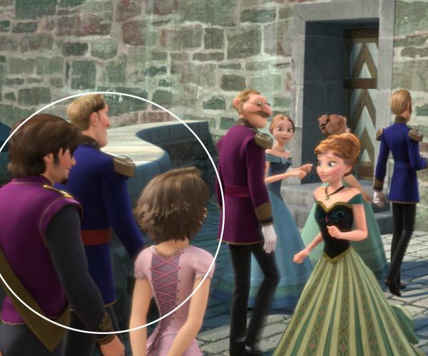 """Tại bữa tiệc đăng quang của Elsa ở vương quốc Arendale, trong các khách mời tham dự có sự xuất hiện của cặp đôi Rapunzel và Flynn Rider đến từ phim họat hình """"Tangled"""""""