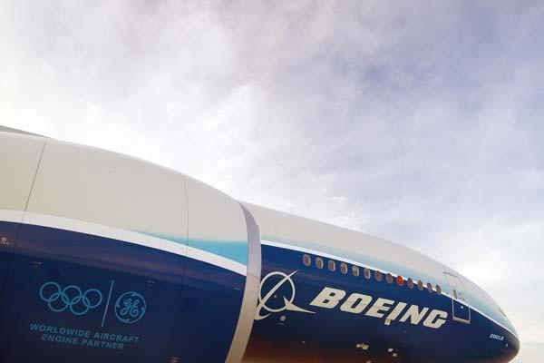 Những chiếc 777-200LR (Longer Range) và 777-300ER (Extended Range) được trang bị động cơ GE90-115B – loại động cơ mạnh mẽ nhất trong làng máy bay thương mại.