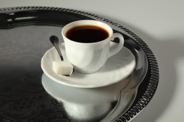 Người Anh và Mỹ có những quy tắc uống cà phê đặc biệt