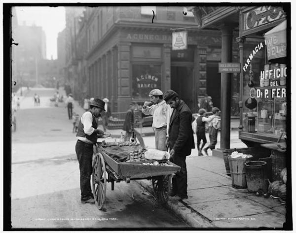 Trong nhiều thập kỉ, xe hàu đã trở thành quầy thức ăn nhanh phục vụ cho rất nhiều người.
