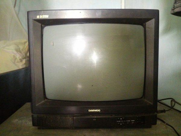 Chiếc tivi Daewoo