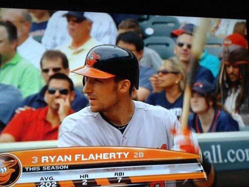 Hình như có ai đó quen ngồi trên ghế khán giả when-you-see-it-pirate-baseball