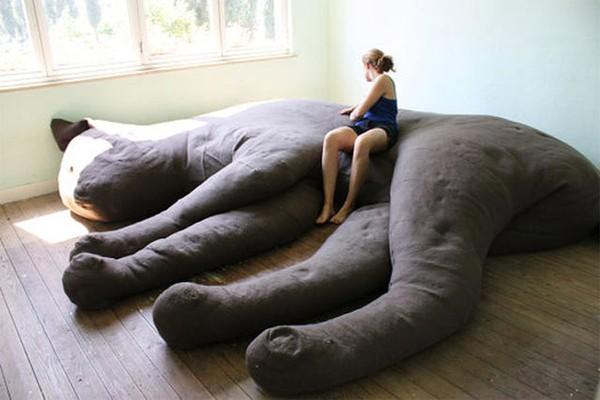 Những chiếc giường ngủ siêu độc đáo | Chú mèo khổng lồ