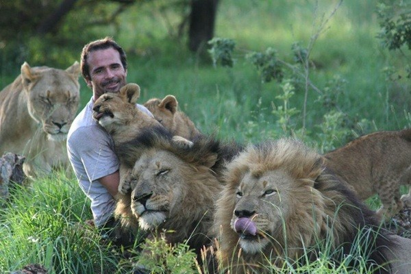 Kevin muốn tăng sự hiểu biết của con người về những con thú hoang dã này và kêu gọi họ bảo vệ chúng