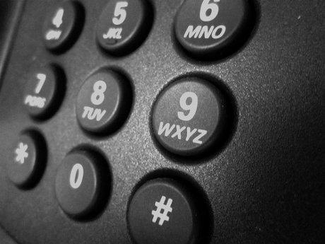 Làm cách nào để nhớ một số điện thoại?