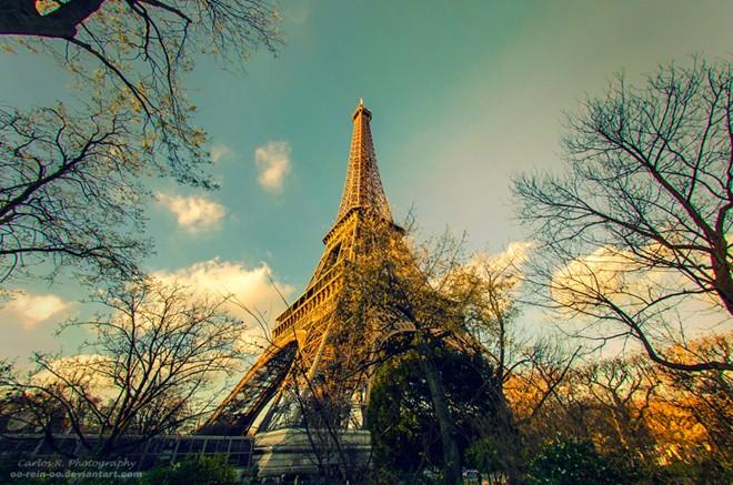 Tháp Eiffel đóng vai trò quan trọng trong Thế chiến thứ nhất, đặc biệt là trong trận Marne năm 1914