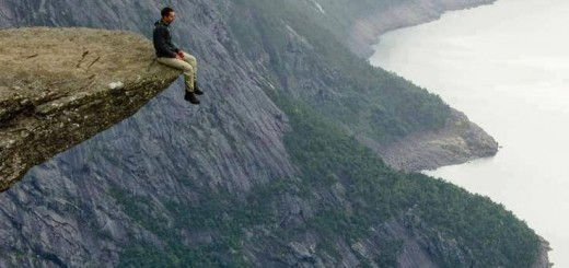 Trolltunga-Norway - 7 Toi se lam ban cam thay ghe chan