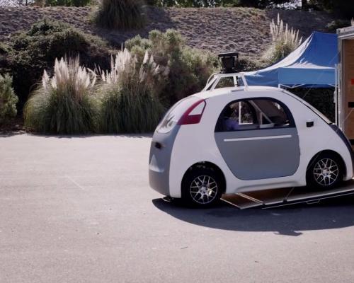 Cận cảnh xe không người lái của Google