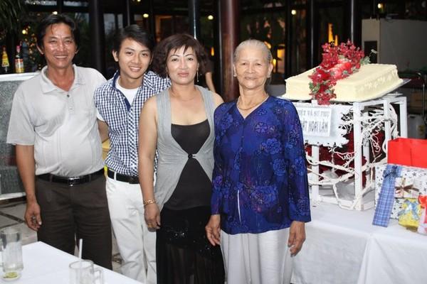 Gia đình Hoài Lâm