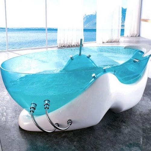 Bồn tắm thiết kế trong suốt