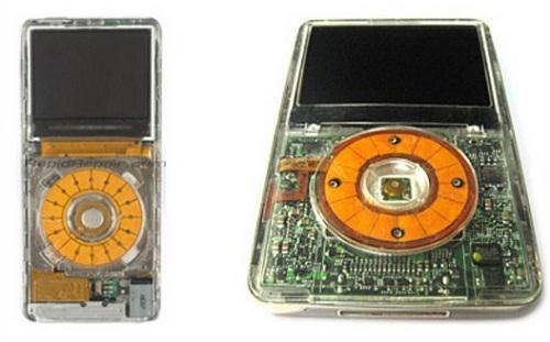 Chiếc iPod được làm với vỏ trong suốt