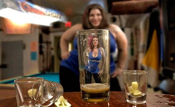 Sự thật thú vị: thấy người khác hấp dẫn hơn sau khi uống chất có cồn