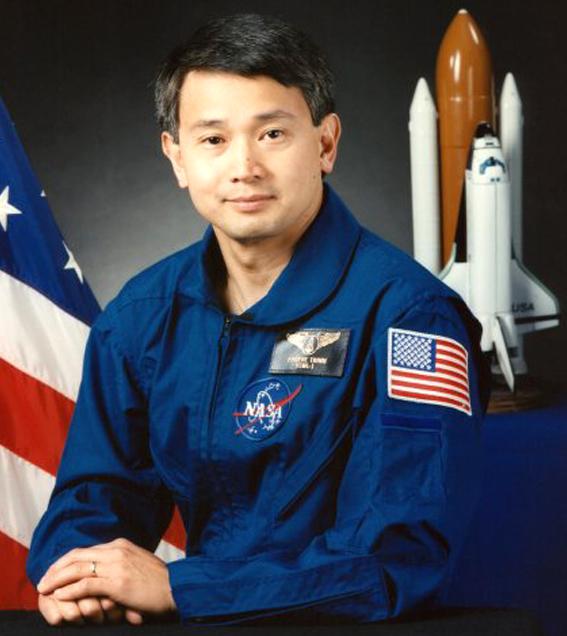 Trịnh Hữu Châu-Người Việt thứ hai bay vào vũ trụ