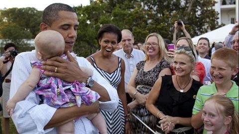 Xem Obama dỗ trẻ con