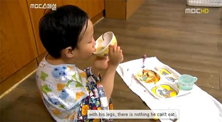 """Yu Tae-ho- Chuyện """"Cổ tích"""" về bé trai không tay"""