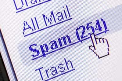 Phần lớn email gửi đi trong 1 phút là thư rác và quảng cáo
