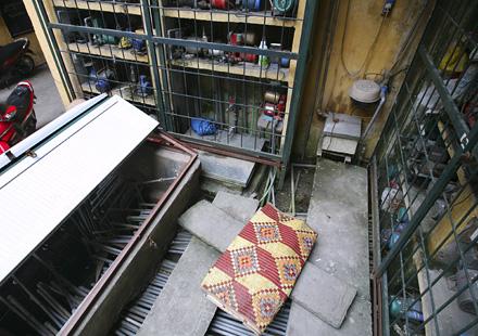 """""""Bản đồ"""" đường nước tại một khu tập thể trên phố Vọng Hà, phường Chương Dương, quận Hoàn Kiếm"""
