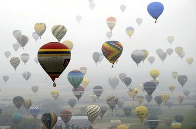 343 khinh khí cầu đã góp mặt để lập nên kỷ lục thế giới mới