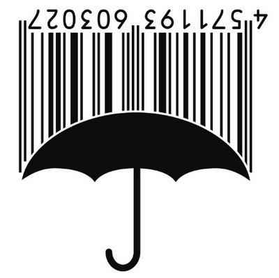 một chiếc ô hứng nước mưa.