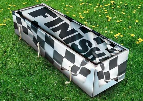 Đây chắc hẳn là quan tài cho người thích đua xe rồi.