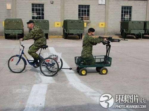 Ảnh vui về các binh sĩ trên thế giới | Tận dụng mọi loại phương tiện.