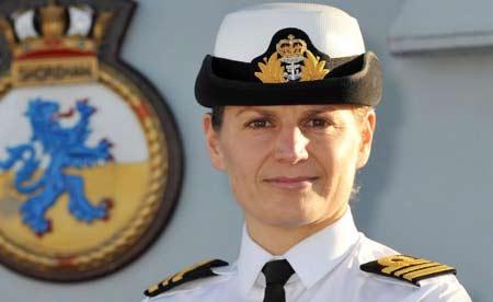 Thiếu tá hải quân Sarah West.