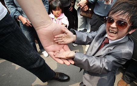 Đó không phải lần đầu tiên cặp đũa lệch này gặp nhau. Trước đây, hau người cũng đã gặp nhau tại Trùng Khánh, Trung Quốc.